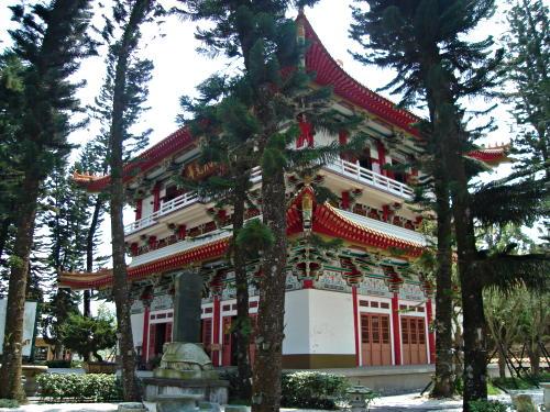 IMAGE(http://www.hostelmanagement.com/sites/default/files/1000053_buddhist_temple_central_taiwan.jpg)
